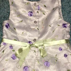 Dresses - Girls size 5 dress.